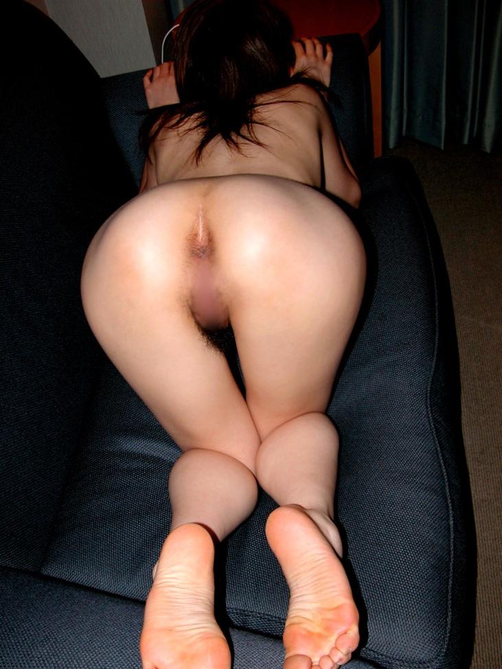 【アナル】お尻の穴がパックリ丸見えな無修正の肛門画像 14