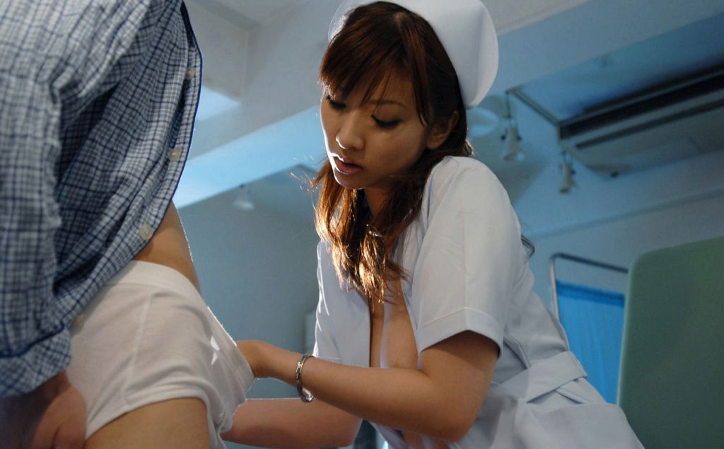 検査で精子出す時に可愛い看護婦さんに手コキしてもらった 24