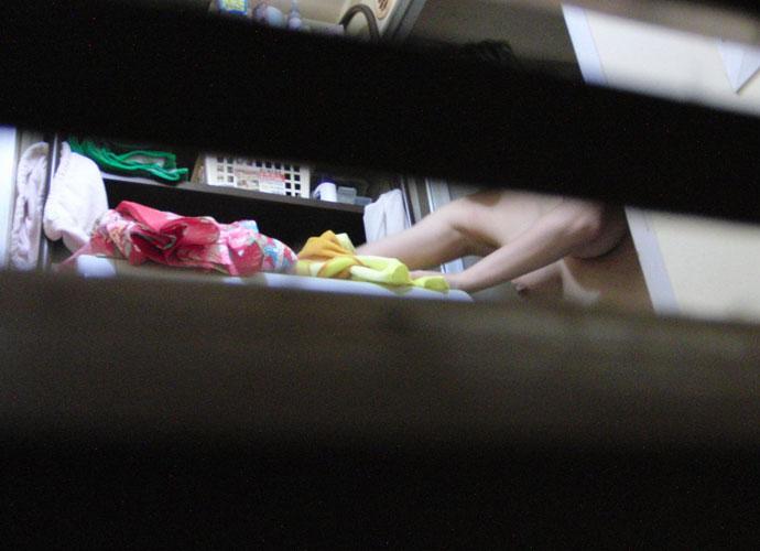【民家盗撮】ピーピングマニアが撮影した民家風呂盗撮画像 30