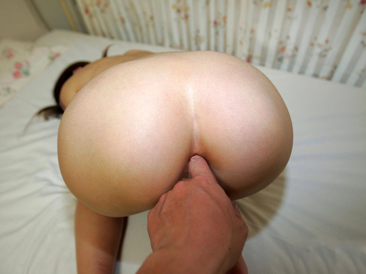 女の肛門の穴に指を突っ込んでみたwww アナルフィンガー画像 32