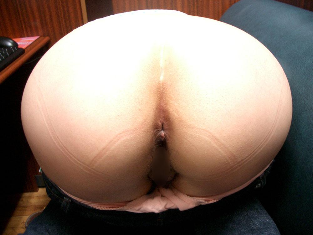 【アナル】お尻の穴がパックリ丸見えな無修正の肛門画像 39