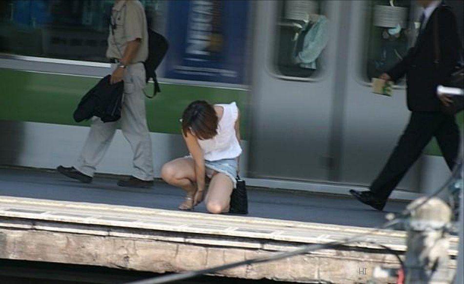 街撮りパンチラ盗撮画像 39