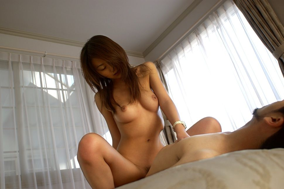 騎乗位セックス画像 62