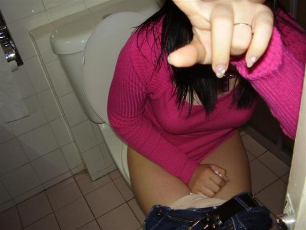 嫁の妹がベロンベロンに酔ってトイレから戻ってこないので、トイレに男性器放り出したまま見に行った俺の末路wwwwwwwwwwwwwwwwwwwww