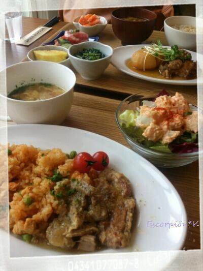 lunch125.jpg
