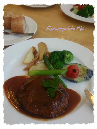 lunch142.jpg