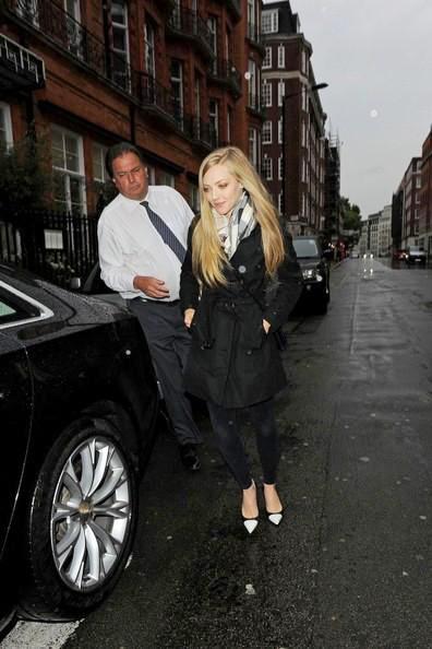 Amanda+Seyfried+seen+leaving+Claridges+hotel+02.jpg