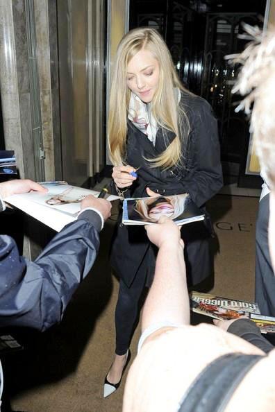 Amanda+Seyfried+seen+leaving+Claridges+hotel+03.jpg