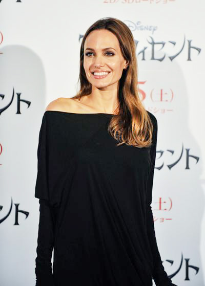 Angelina+Jolie+Maleficent+Press+Conference+Photocall+20140629_03.jpg