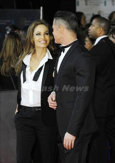 Angelina_Jolie_140305_02.jpg