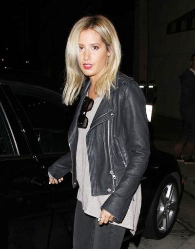 Ashley+Tisdale+Celebrities+Dine+Out+Craig+Restaurant+20140416_01.jpg