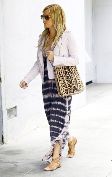 Ashley_Tisdale_140425_02.jpg