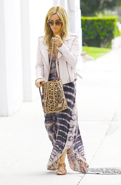 Ashley_Tisdale_140425_03.jpg