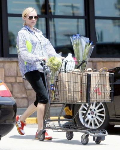 Diane+Kruger+Stops+By+Gelson+s+20140416_03.jpg