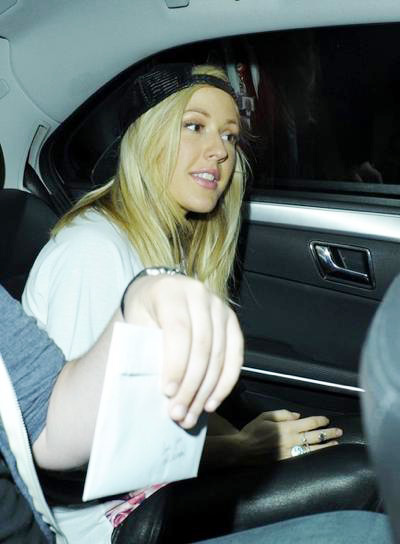 Ellie+Goulding+night+out+20140629_01.jpg