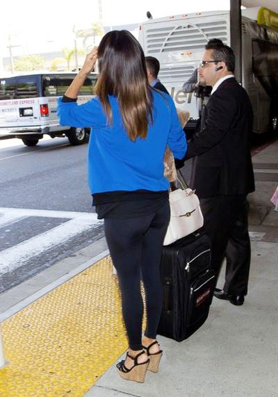 Eva+Longoria+seen+at+LAX+02.jpg