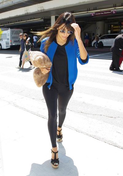 Eva+Longoria+seen+at+LAX+04.jpg