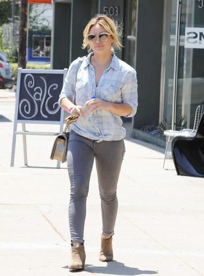 Hilary+Duff+Hilary+Duff+Out+Hollywood+20140808_01.jpg