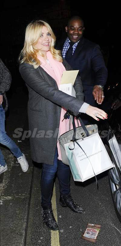 Holly_Willoughby_140323_03.jpg
