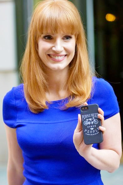 Jessica+Chastain+wears+blue+downtown+NYC+20140904_02.jpg