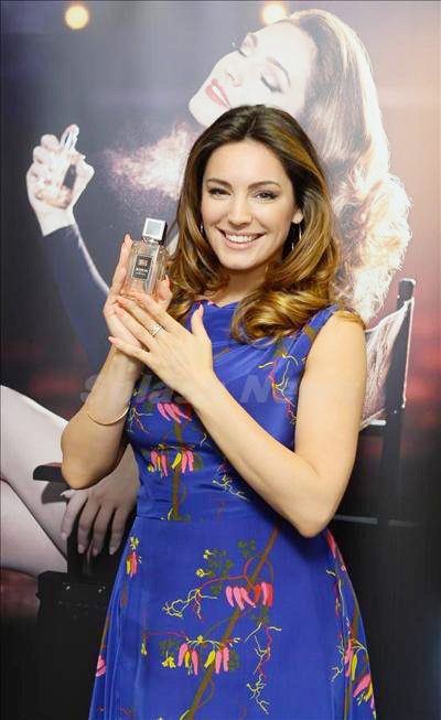 Kelly_Brook_140323_03.jpg