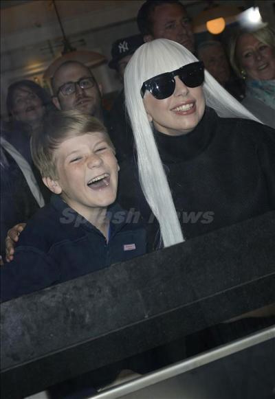 Lady_Gaga_140323_03.jpg
