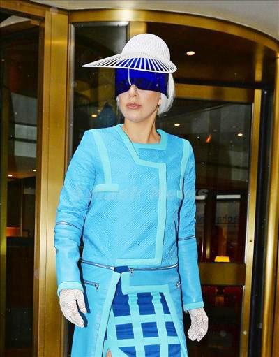 Lady_Gaga_140409_03.jpg