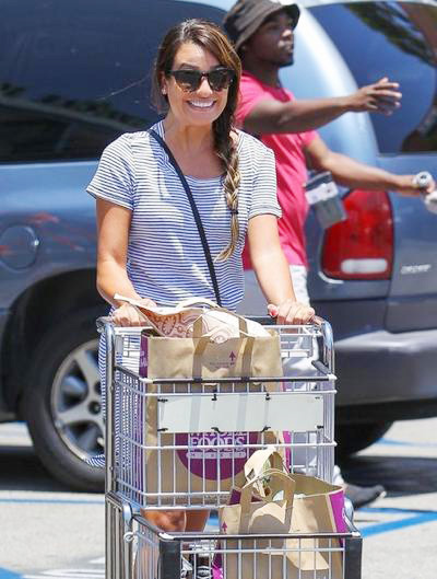 Lea+Michele+Stocks+Up+Fourth+July+Goodies+2014_0710_01.jpg