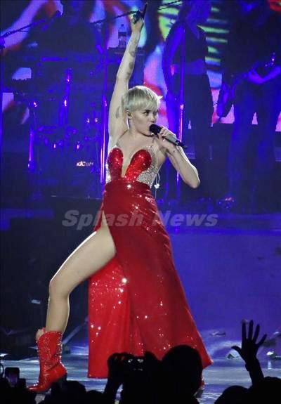 Miley_Cyrus_140312_02.jpg