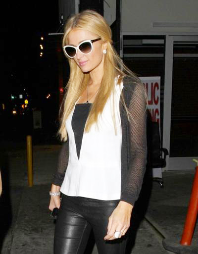 Paris+Hilton+Enjoys+Night+Out+Warwick+Nightclub+20140610_01.jpg