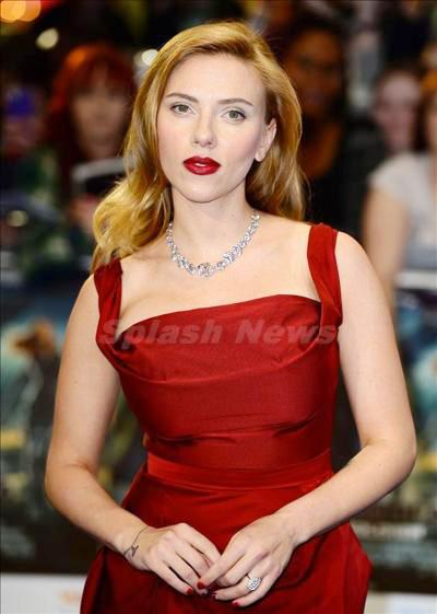 Scarlett_Johansson_140323_04.jpg