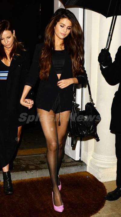 Selena_Gomez_140305_01.jpg