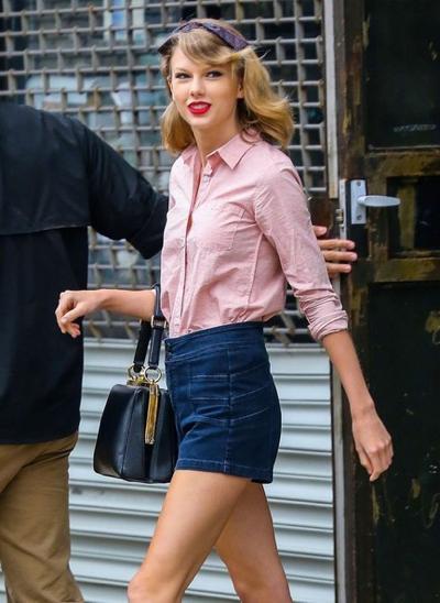 キレイめシャツが1枚あれば、かっこいいニューヨーカースタイルのできあがり♡