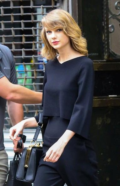 Taylor+Swift+Stops+Gym+01.jpg