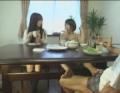兄妹3人で食事中、テーブルの下で足コキしてくる姉