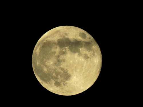16夜の月