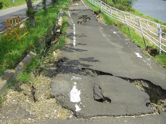20110511地震の痕 (3)