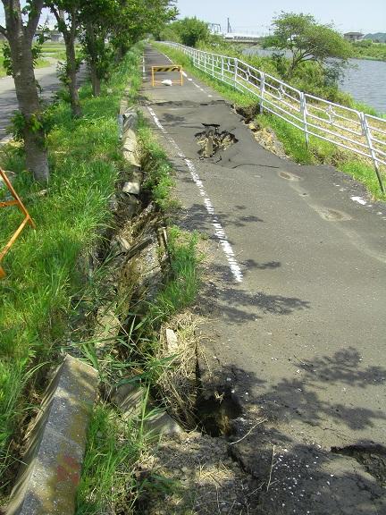 20110511地震の痕 (4)