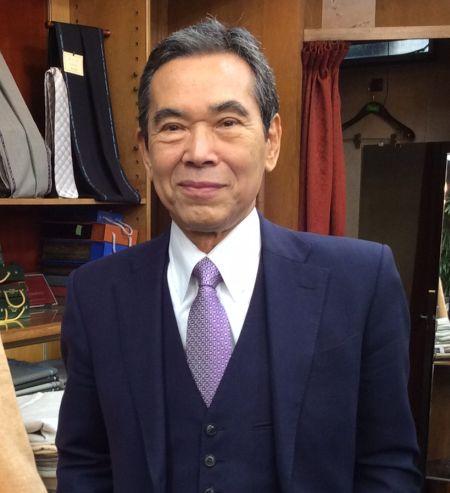 紫色のネクタイ