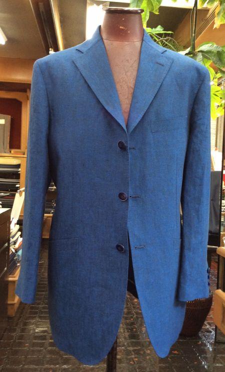 ブルーのリネンジャケット
