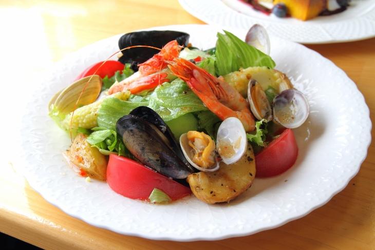 外房魚介のイタリアンサラダ