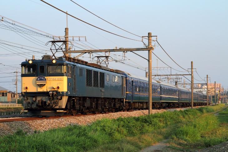 9022レ EF64-1051