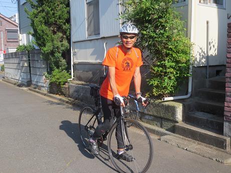 階段波板Fさん自転車