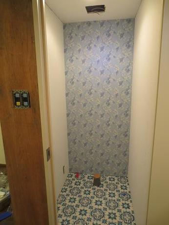 バストイレ分離トイレアクセントクロス