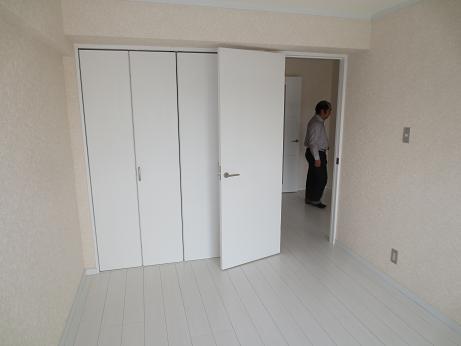 日野2階物入れ扉