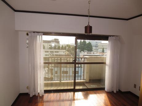 日野6階ベッドルーム