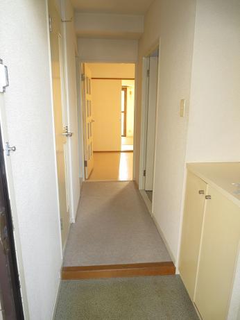 日野竣工当時の廊下b