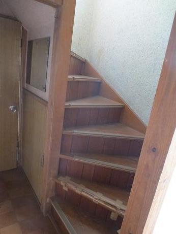 東浦和戸建て階段