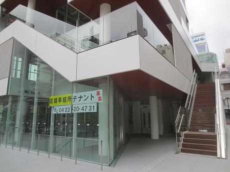 ヨドバシ裏ビル1階