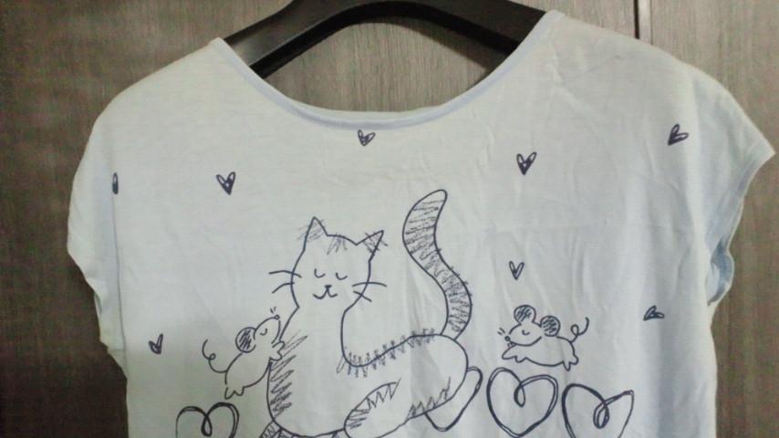 ねこのTシャツ